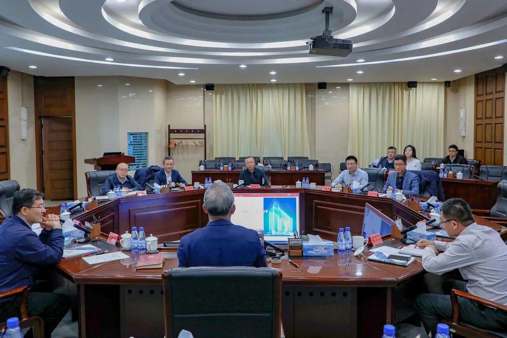 远瓴数据集团应邀参加中共北京市怀柔区委座谈会